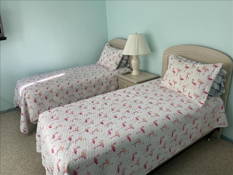Guest Bedroom 2 twins