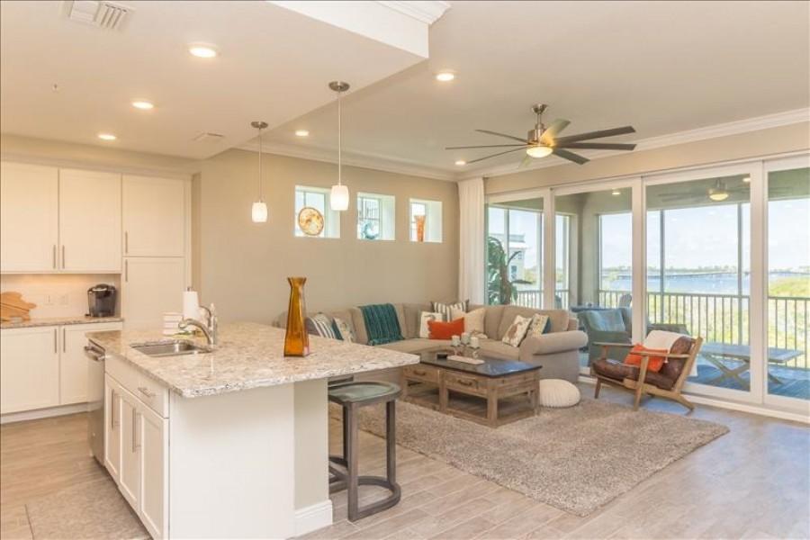 Livingroom Water View
