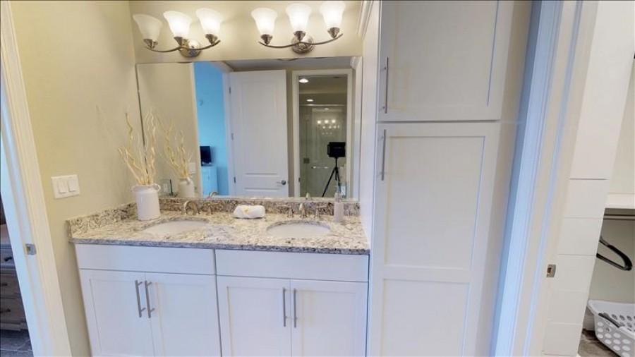 Dual bath basins
