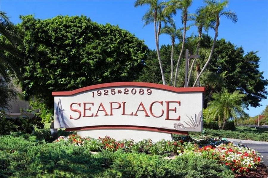 Seaplace monument