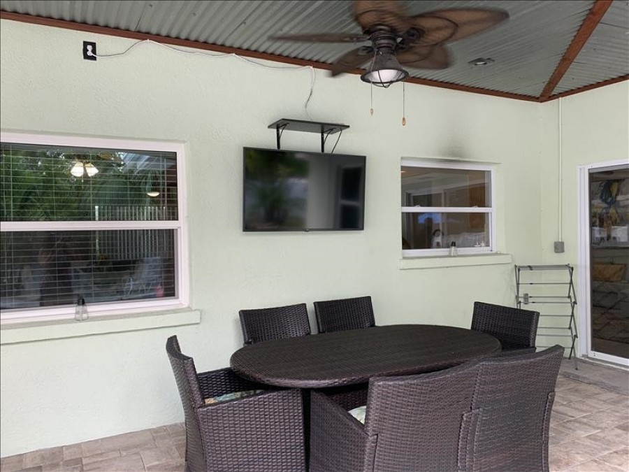 Outdoor Seating w/TV and sounds system