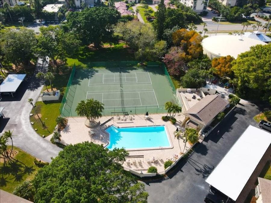 Pool-tennis aerial