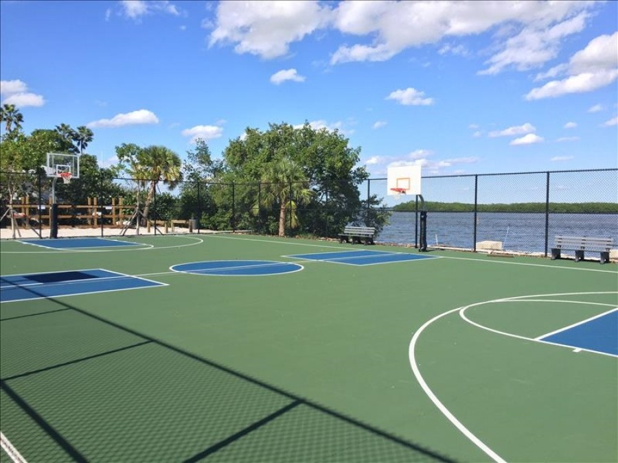 Bayfront Park Tennis/Pickleball Courts